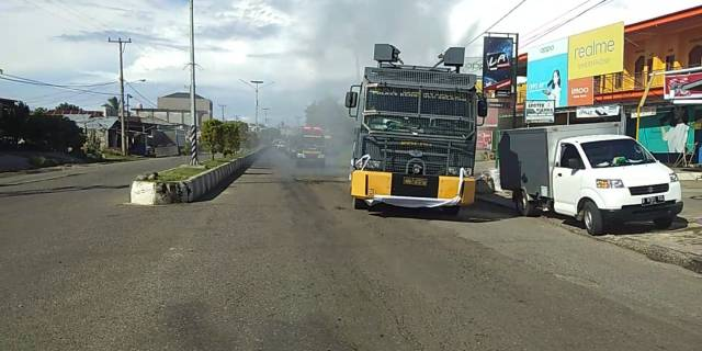 Cegah Covid-19, Polri Dan TNI Serta Pemkab Bs Gelar Penyemprotan Disinfektan