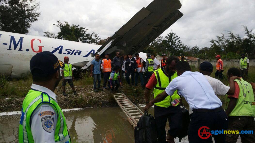 Pesawat Cargo Tri MG Call Sign PK-YGG Mengalami Kecelakan Di Bandara Wamena Jayawijaya