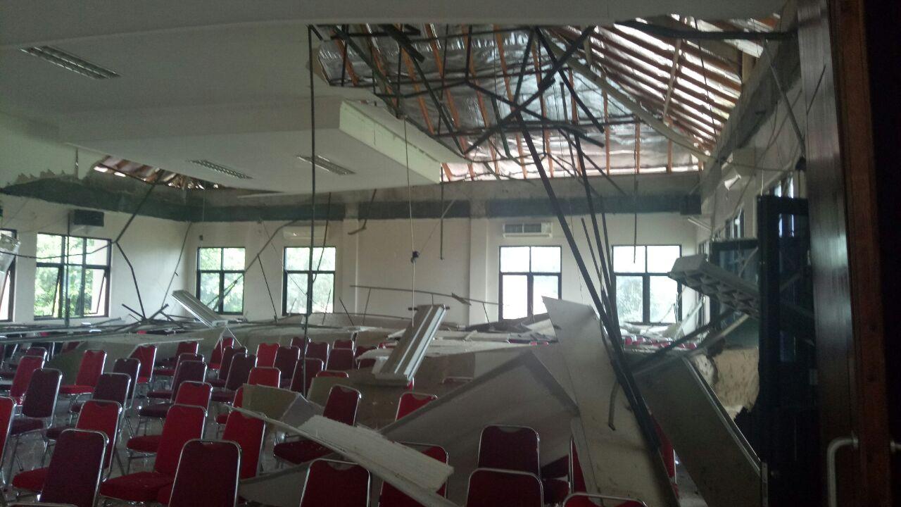 Gempa Kekuatan 6,4 SR Merusak 1150 Rumah Di Lebak Banten