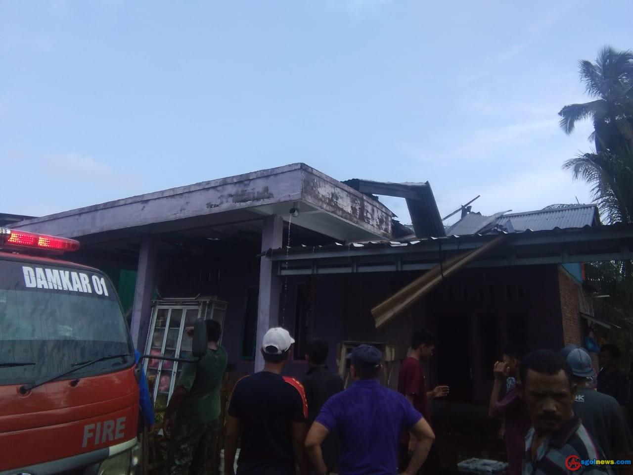 Ditinggal Jalan Jalan, Rumah warga Gunung Mesir Ludes Terbakar